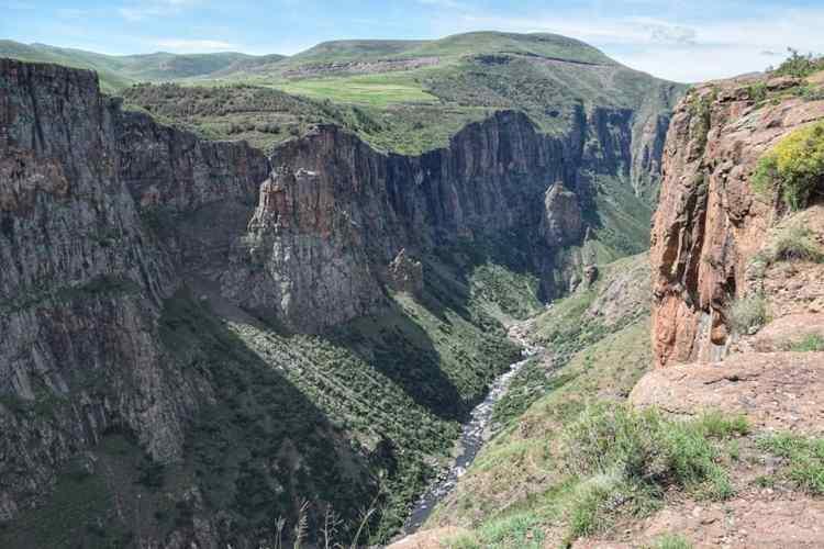 Maletsunyane waterfall photo