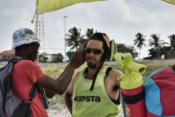 kitesurfing lessons mozambique