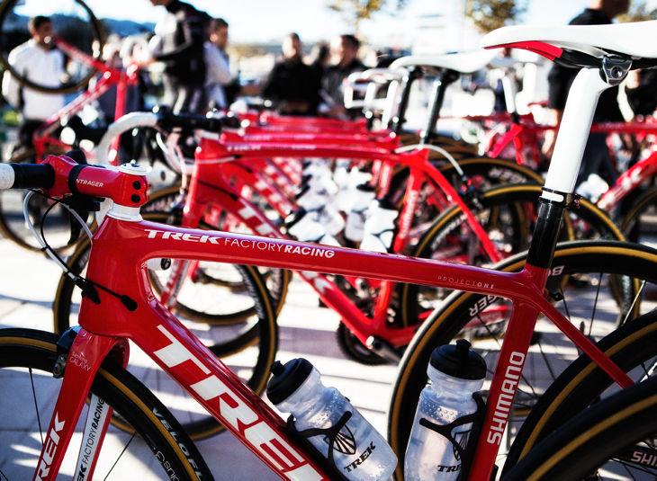Tittar man noga ser man att den här cykeln har däck från Veloflex