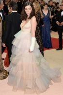 Lorde-attends-the-Manus-x-Machina-Fashion-In-An-Age-Of-Technology-Costume-Institute-Gala-at-Metropolitan-M