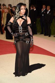 Nicki-Minaj-attends-Manus-x-Machina-Fashion-In-An-Age-Of-Technology-Costume-Institute-Gala M