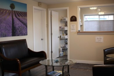 Our comfortable and quiet sitting room, where guests wait to consult with Dr. Bye