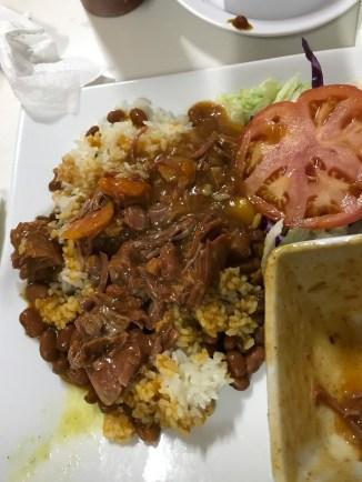 El Jibarito. Carne guisada con arroz y habichuelas (beef stew with rice and beans)... yum!