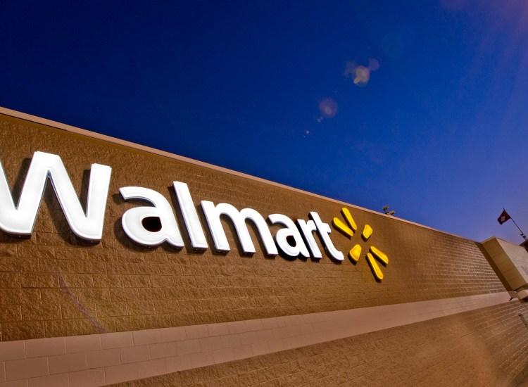 """Walmart patenta su propio """"stablecoin"""" respaldado en dólares"""