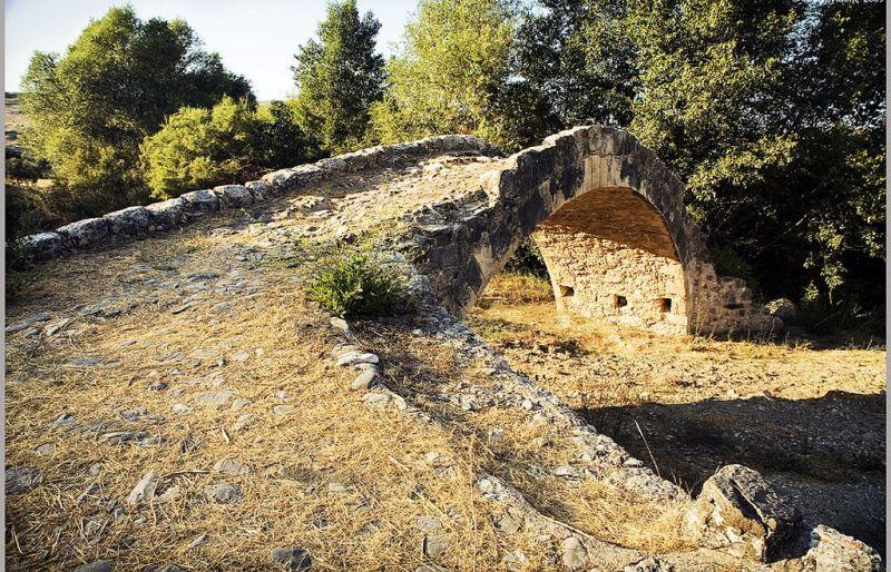 Most Skarfou zagrożony zawaleniem