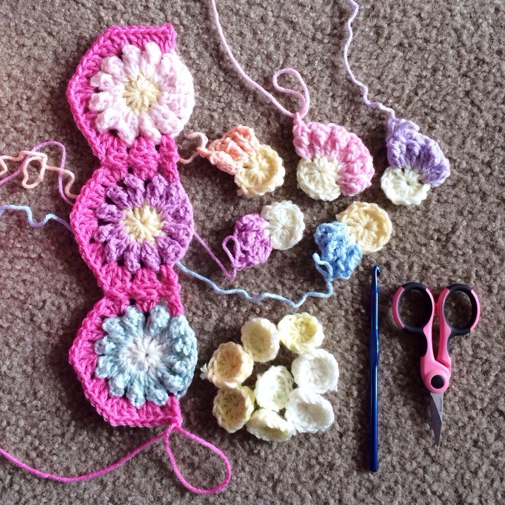 Hexagon Continuous JAYG - Granny stitch - cypress|textiles
