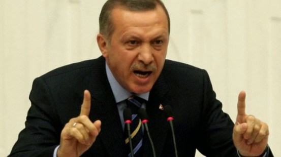 Τουρκοκύπριοι δικηγόροι διαδηλώνουν κατά των απειλών του Ερντογάν