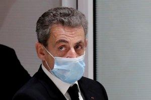 Ο πρώην Γάλλος πρόεδρος Σαρκοζί καταδικάστηκε για διαφθορά, καταδίκασε φυλάκιση