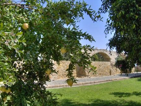 Silihtar Ancient Aqueduct