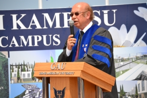 4b GAU Rector Prof. Dr. Yılıırım Öner making his address