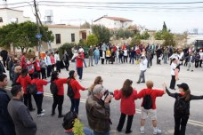 """Orchid Walk 2012 - The walkers sing """"You will never walk alone"""""""