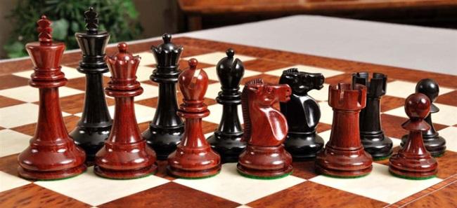 Reykjavik II Chess Set