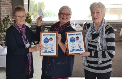 Carole King presents certificates to Annalise Friede and co-organiser Barbara Fursman