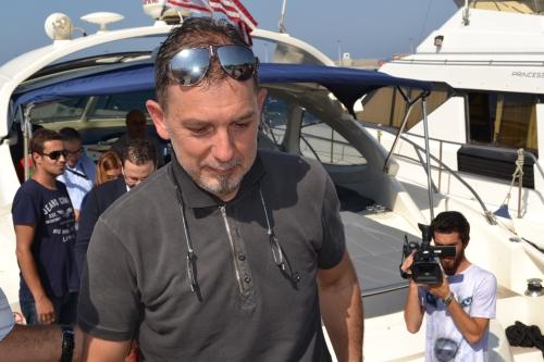 Serhat Akpinar leaving his boat