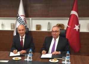 Eximbank Genel Müdürü Hayrattin Kaplan ve Creditwest Bank Genel Müdürü Dr. Süleyman Erol