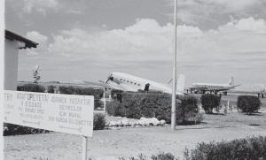 plane-at-nicosia-airport