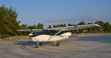 Cessna 210 image