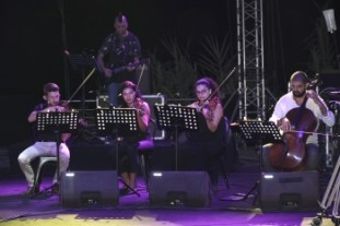 A Night in Kyrenia with Todd and Friends (1)