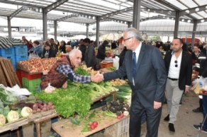 Güngördü celebrated New Year at the Girne Wednesday Market (3)