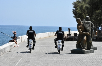 Girne Municipality cycle police patrols (3)