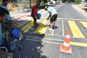 Paint road markings on Girne ring road (5)