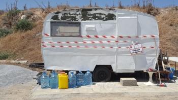 Girne Municipaklity removed caravan (3)