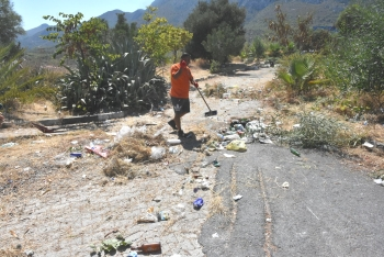 Girne Municipality clean the Ciklos area (5)