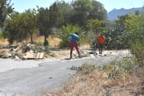 Girne Municipality clean the Ciklos area (7)
