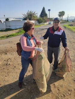 ÇADER volunteers clean up Cornaro Beach (4)