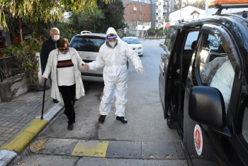 Girne Municipality extended helping hand to the Elderly (3)