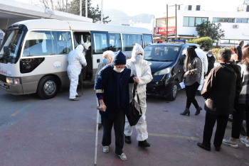 Girne Municipality extended helping hand to the Elderly (5)