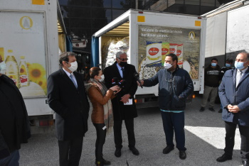 10,000 food packages given to Girne Municipality by Falyalı Bros (1)