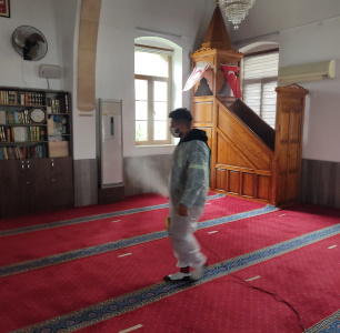 Mosques in Girne disinfected against COVID-19 before Ramadan (1)