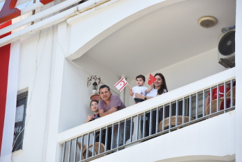 On National Sovereignty and Children's Day we meet the Balconies (4)
