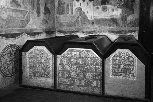 Кириллица | Почему русских царей никогда не хоронили в земле