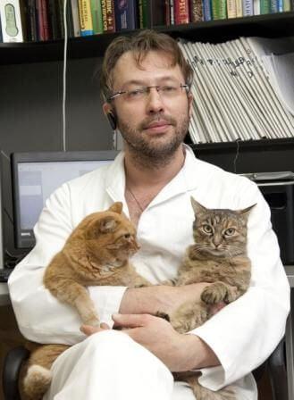 Научный руководитель и ведущий преподаватель Школы ветеринарной нефрологии и урологии Леонард Роман Александрович