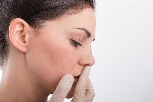 пересушена слизистая носа