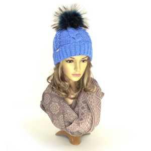 czapka-zimowa-błękitna-z pomponem