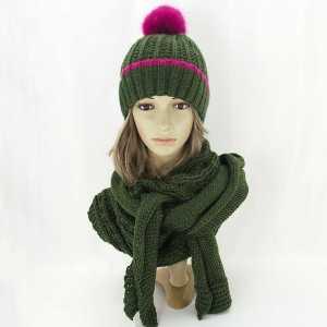 damski-zimowy-komplet-czapka-z-szalikiem-zielony-amaltea