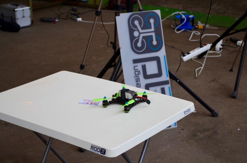 Jeden ze závodních dronů, který se také zúčastnil soutěže.
