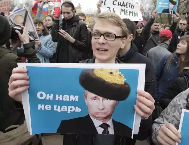 Znalezione obrazy dla zapytania protesty w rosji zdjecia