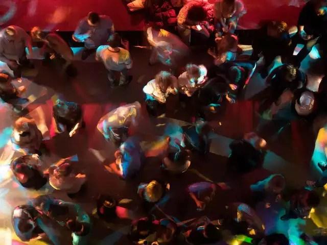 Amerykanin z koronawirusem bawił się we wrocławskich klubach