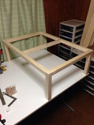 【DIY】テーブルの足を組んだ
