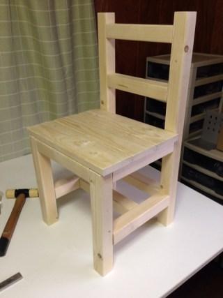 【DIY】初ニス、椅子に塗ったった。