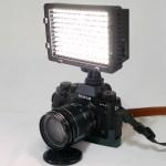 【カメラ】「NEEWER CN-16 LED ビデオライト」を買ってみた。