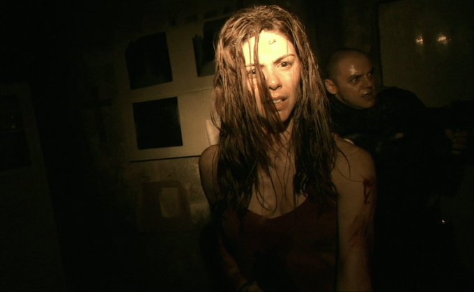 ゾンビ映画REC/レックの主人公アンヘラが映るハイライト画像