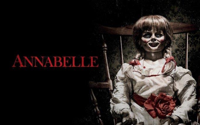 映画「死霊館」シリーズに登場するアナベル人形の画像