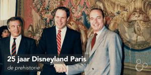 The Walt Disney Company president Michael Eisner en Franse president Jacques Chiraq schudden elkaar de hand na het tekenen van het contract wat leidt tot de bouw van Disneyland Paris
