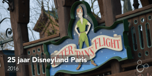 Het logo van de Fantasyland-attractie Peter Pan's Flight