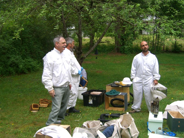 John, Keith and Chris getting the bee removal equipment ready.